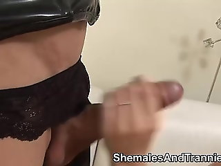 Amateur.. shemale porn (shemale)
